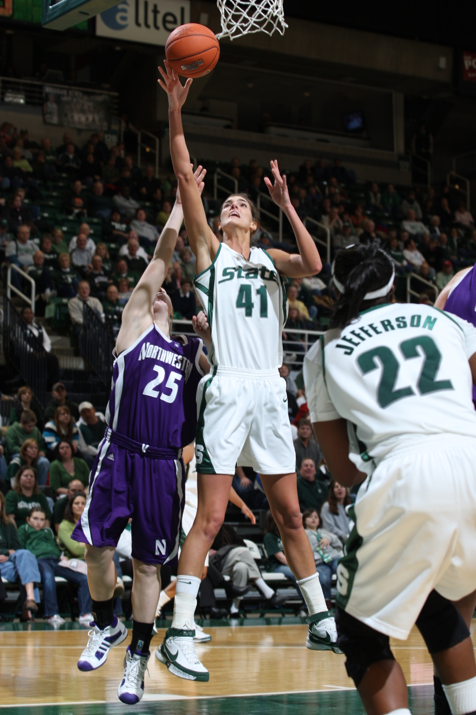 Allyssa Hall spartans move into first place, beat indiana, 71-65 in